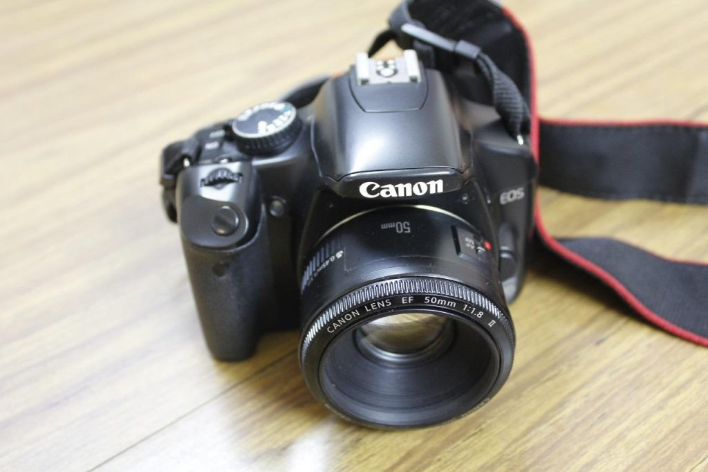 The Canon EOS450 with the Nifty Fifty lens attached